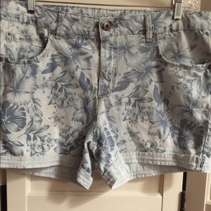 Faded Glory blue shorts with stitched down hems